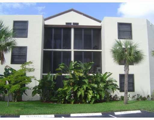 Co-op / Condo for Sale at 210 Lake Pointe Drive 210 Lake Pointe Drive Oakland Park, Florida 33309 United States