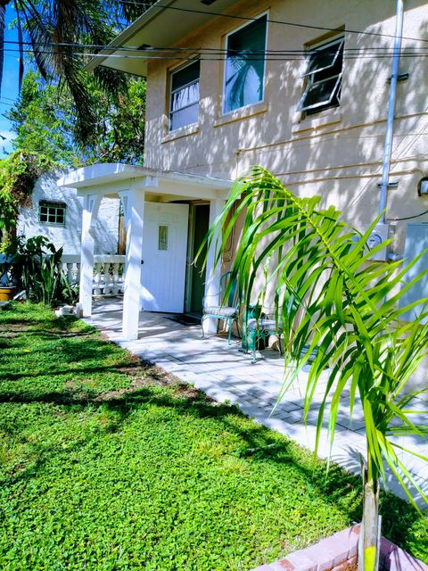 Apartment for Rent at 1003 N L Street 1003 N L Street Lake Worth, Florida 33460 United States