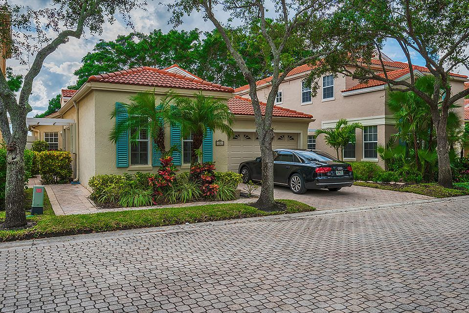 24 Via Del Corso , Palm Beach Gardens FL 33418 is listed for sale as MLS Listing RX-10378459 19 photos