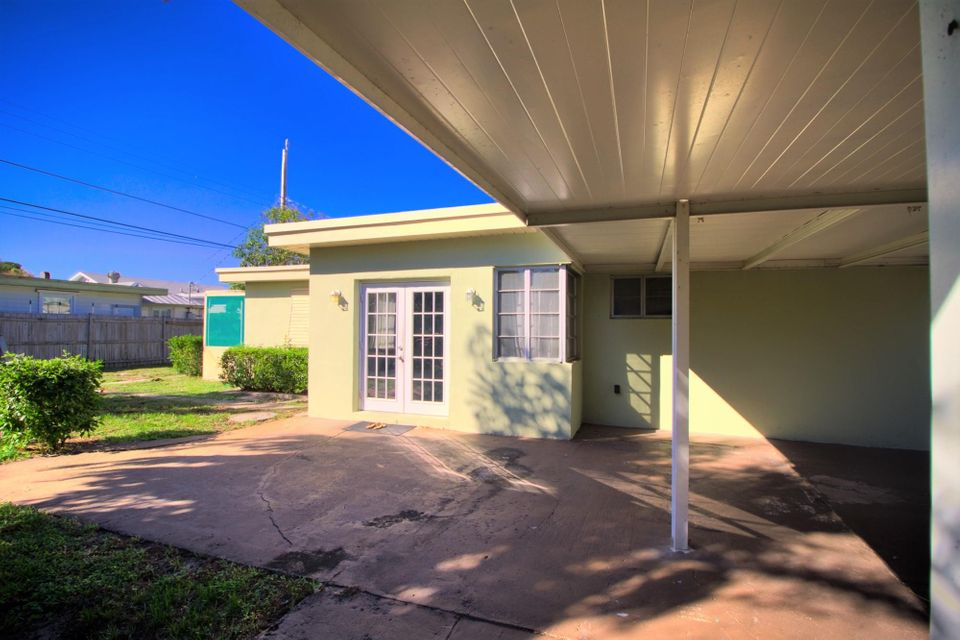 1701 N Lakeside Drive Lake Worth, FL 33460 photo 27