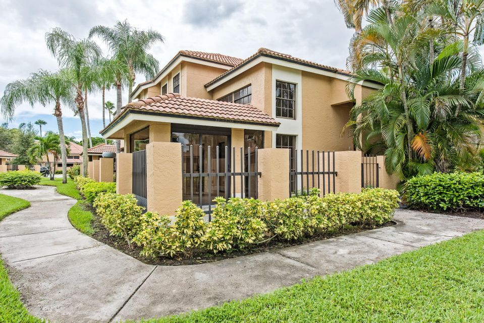 362 Prestwick Circle 3 , Palm Beach Gardens FL 33418 is listed for sale as MLS Listing RX-10378494 26 photos