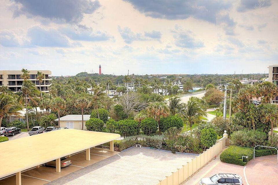 Additional photo for property listing at 200 S Beach Road 200 S Beach Road Tequesta, Florida 33469 États-Unis
