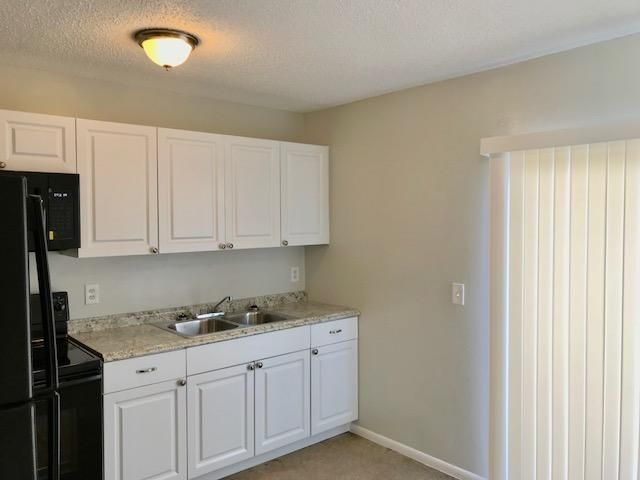 Additional photo for property listing at 713 Mango Drive 713 Mango Drive West Palm Beach, Florida 33415 United States