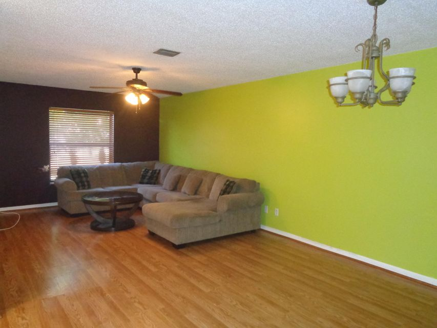 Additional photo for property listing at 1407 White Pine Drive 1407 White Pine Drive 惠灵顿, 佛罗里达州 33414 美国