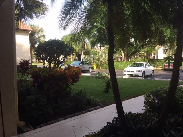 Cooperativa / condomínio para Venda às 3201 Perimeter Drive 3201 Perimeter Drive Greenacres, Florida 33467 Estados Unidos