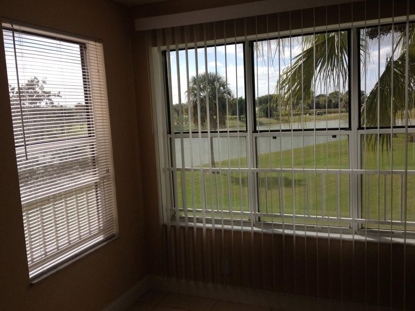 Co-op / Condo للـ Rent في 3320 Pinewalk Drive 3320 Pinewalk Drive Margate, Florida 33063 United States