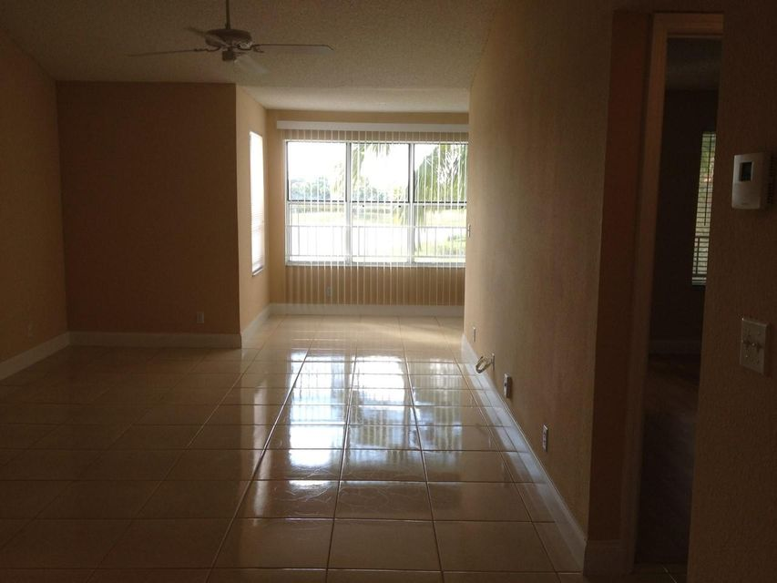 Additional photo for property listing at 3320 Pinewalk Drive 3320 Pinewalk Drive Margate, Florida 33063 United States
