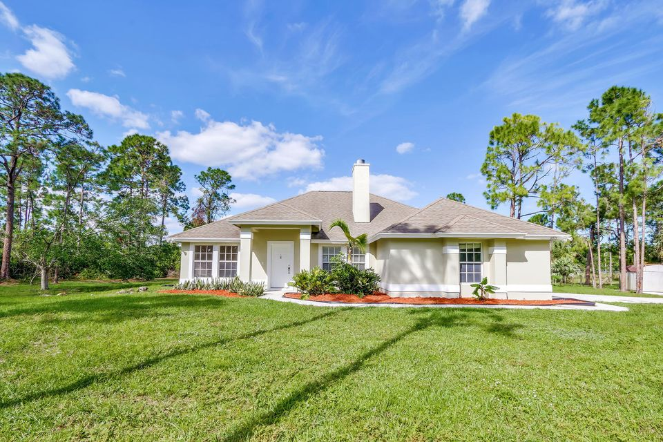 Home for sale in Acreage & Unrec Loxahatchee Florida