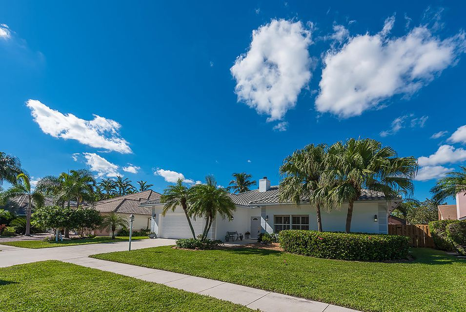 12845 Calais Circle , Palm Beach Gardens FL 33410 is listed for sale as MLS Listing RX-10369313 29 photos