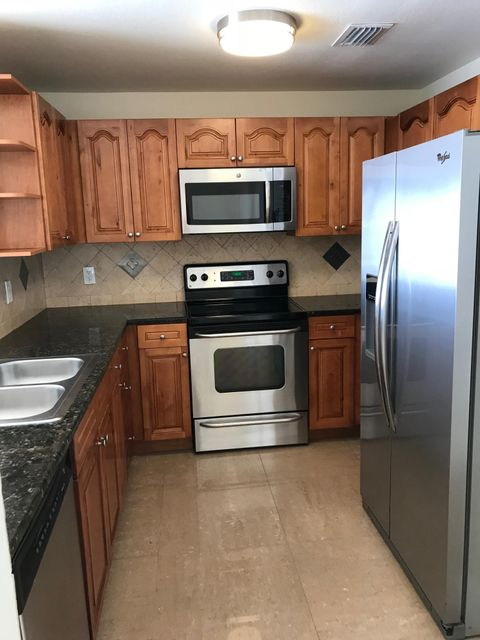Additional photo for property listing at 2050 Oleander Boulevard 2050 Oleander Boulevard Fort Pierce, Florida 34950 Estados Unidos