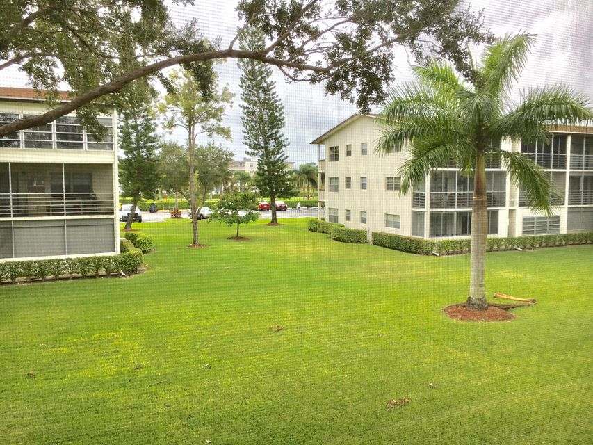 Additional photo for property listing at 228 Suffolk F 228 Suffolk F Boca Raton, Florida 33434 États-Unis