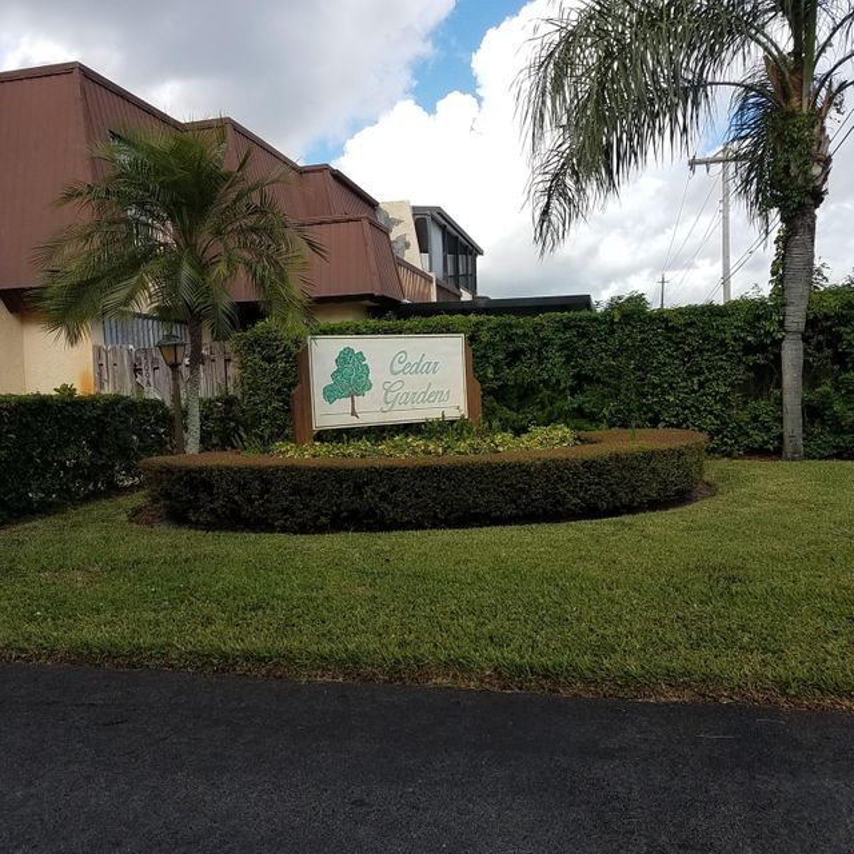 3546 Gardens Drive B , Palm Beach Gardens FL 33410 is listed for sale as MLS Listing RX-10378832 9 photos