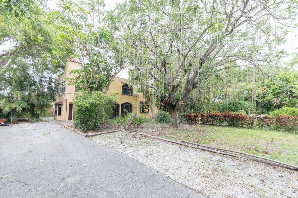 Additional photo for property listing at 218 NE 1st Avenue 218 NE 1st Avenue Delray Beach, Florida 33444 United States