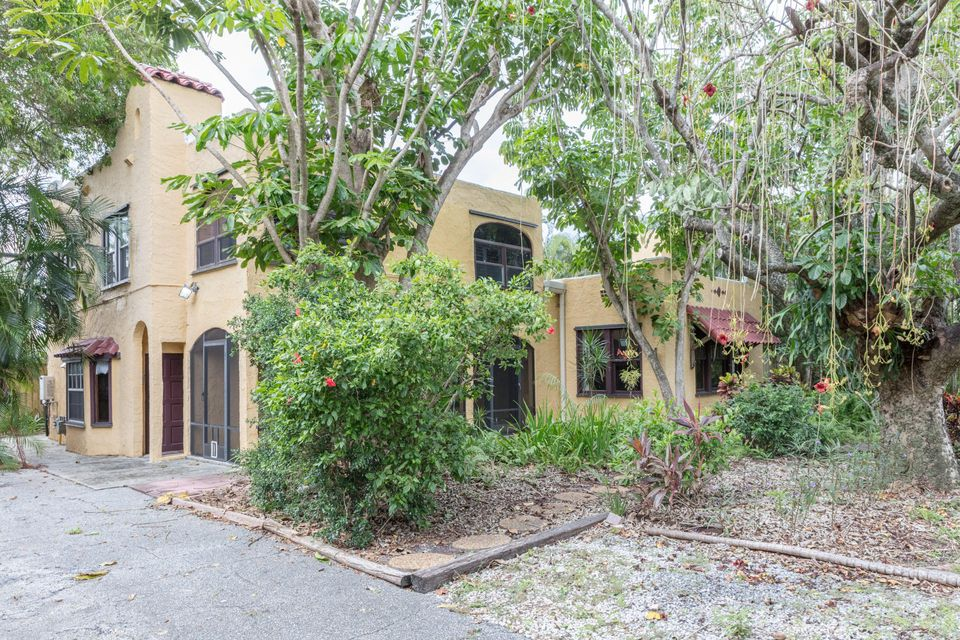 Additional photo for property listing at 218 NE 1st Avenue 218 NE 1st Avenue Delray Beach, Florida 33444 Estados Unidos