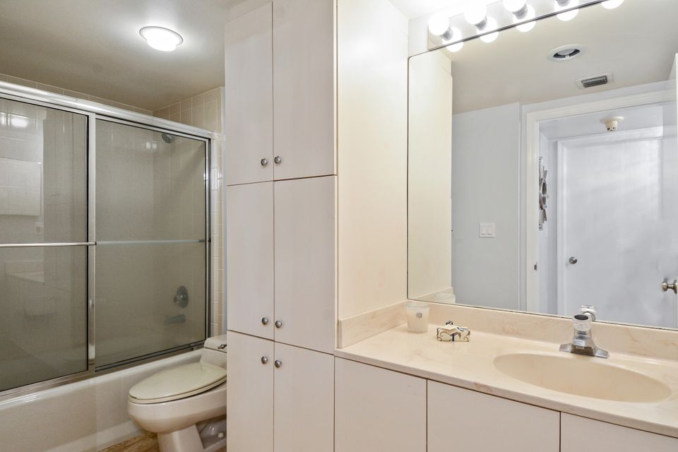 Additional photo for property listing at 140 SE 5th Avenue 140 SE 5th Avenue Boca Raton, Florida 33432 Vereinigte Staaten