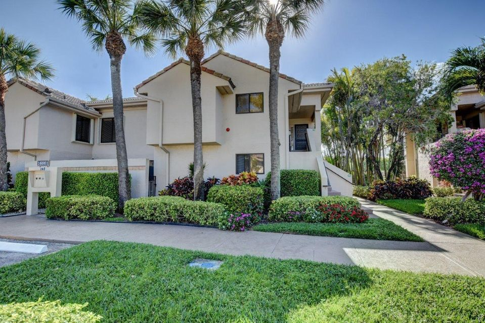 Condominium for Sale at 16001 Loch Katrine Trail # 7302 16001 Loch Katrine Trail # 7302 Delray Beach, Florida 33446 United States