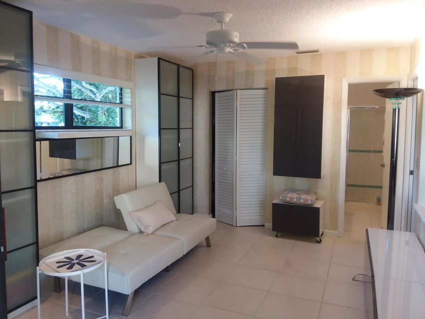 Additional photo for property listing at 1405 S Federal Highway 1405 S Federal Highway 德尔雷比奇海滩, 佛罗里达州 33483 美国