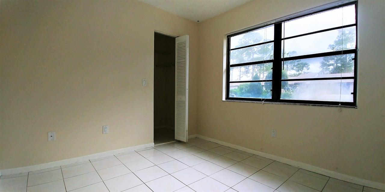 Additional photo for property listing at 99 Conaskonk Circle 99 Conaskonk Circle West Palm Beach, Florida 33411 Estados Unidos