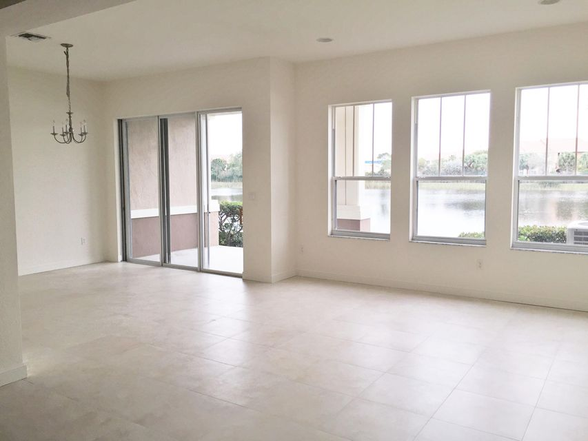 Additional photo for property listing at 881 Marina Del Ray Lane 881 Marina Del Ray Lane West Palm Beach, Florida 33401 États-Unis
