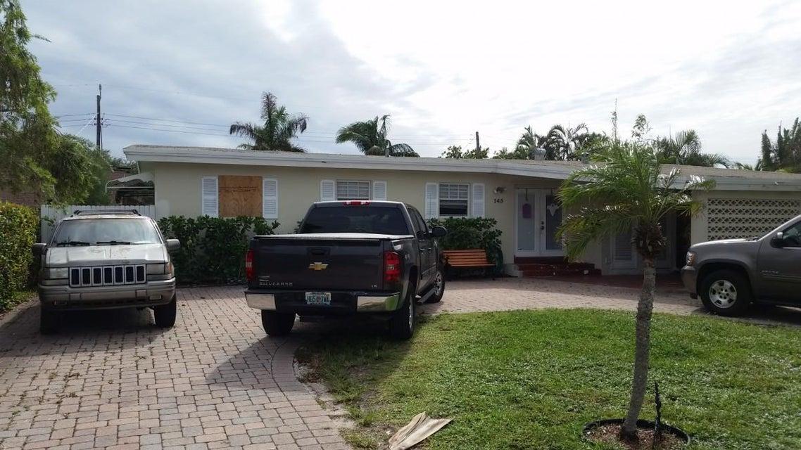 Casa Unifamiliar por un Venta en 145 Bryn Mawr Drive 145 Bryn Mawr Drive Lake Worth, Florida 33460 Estados Unidos