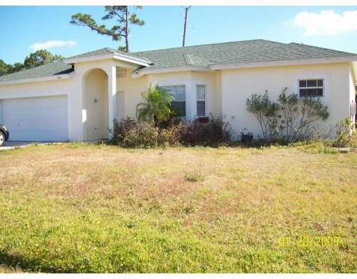 Additional photo for property listing at 1933 SE Cheltenham Street 1933 SE Cheltenham Street Port St. Lucie, Florida 34983 États-Unis