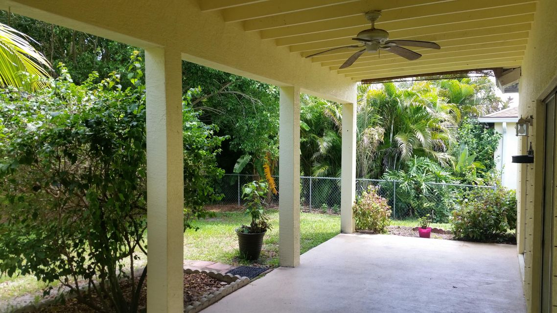 Additional photo for property listing at 1933 SE Cheltenham Street 1933 SE Cheltenham Street Port St. Lucie, Florida 34983 United States
