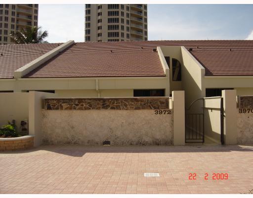 Stadthaus für Mieten beim 3972 N Ocean Drive 3972 N Ocean Drive Riviera Beach, Florida 33404 Vereinigte Staaten