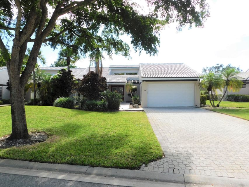 Villa for Sale at 25 Villa Lane 25 Villa Lane Boynton Beach, Florida 33436 United States