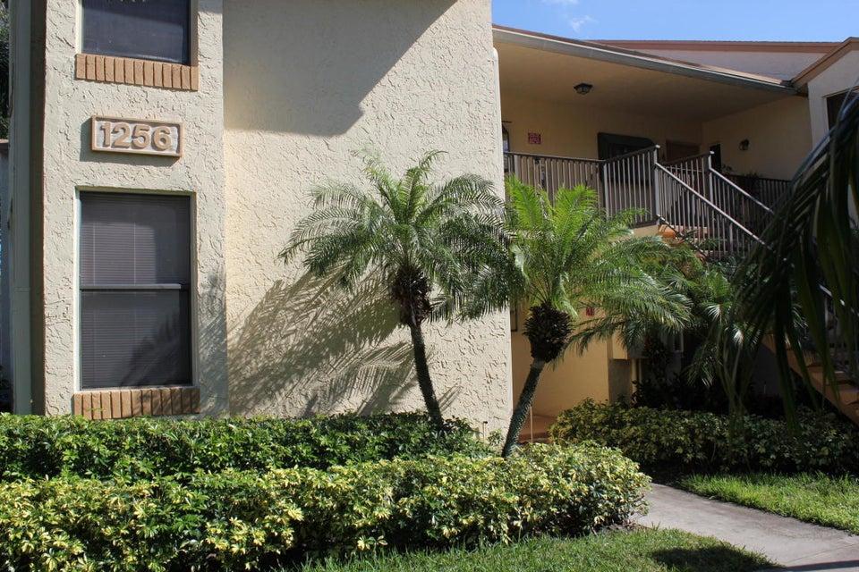 Co-op / Condominio por un Alquiler en 1256 S Military Trail 1256 S Military Trail Deerfield Beach, Florida 33442 Estados Unidos