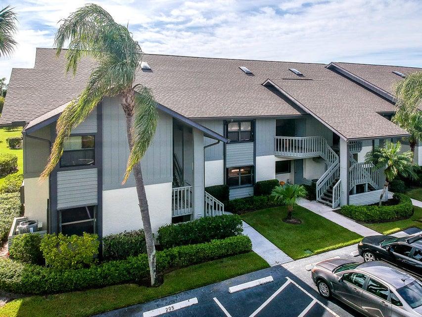 合作社 / 公寓 为 销售 在 6276 SE Charleston Place 6276 SE Charleston Place Hobe Sound, 佛罗里达州 33455 美国