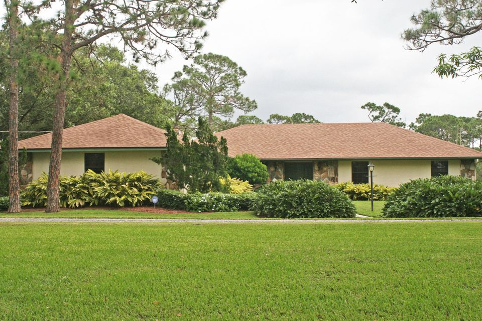 独户住宅 为 销售 在 500 Pulitzer Road 500 Pulitzer Road 皮尔斯, 佛罗里达州 34945 美国