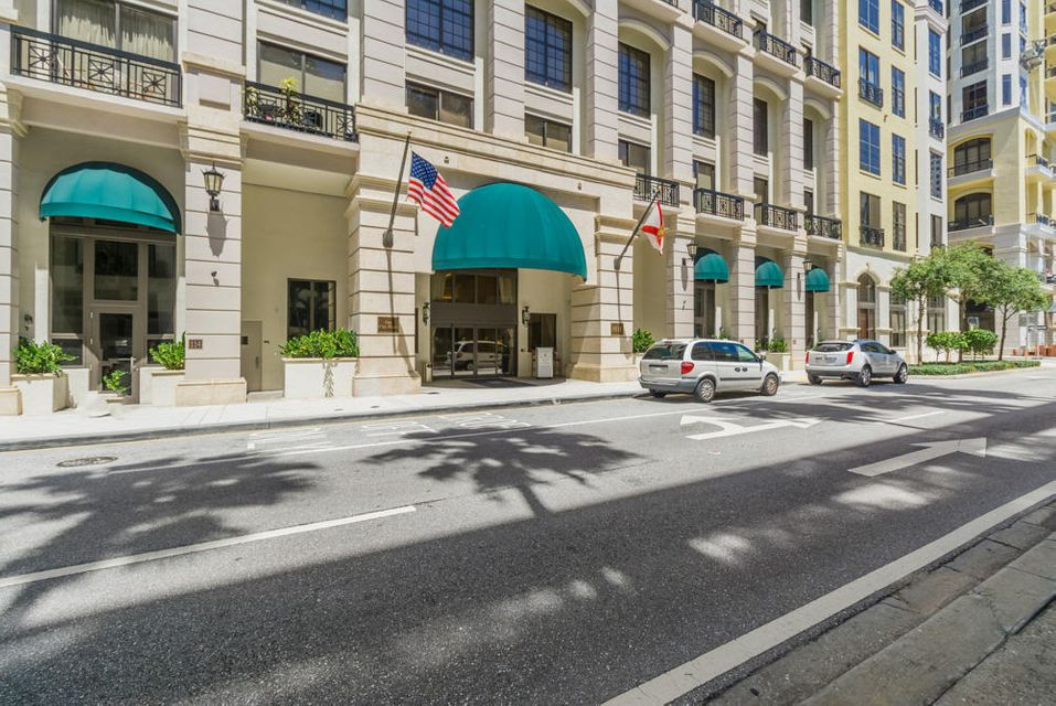 Konsum / Eigentumswohnung für Verkauf beim 801 S Olive Avenue 801 S Olive Avenue West Palm Beach, Florida 33401 Vereinigte Staaten