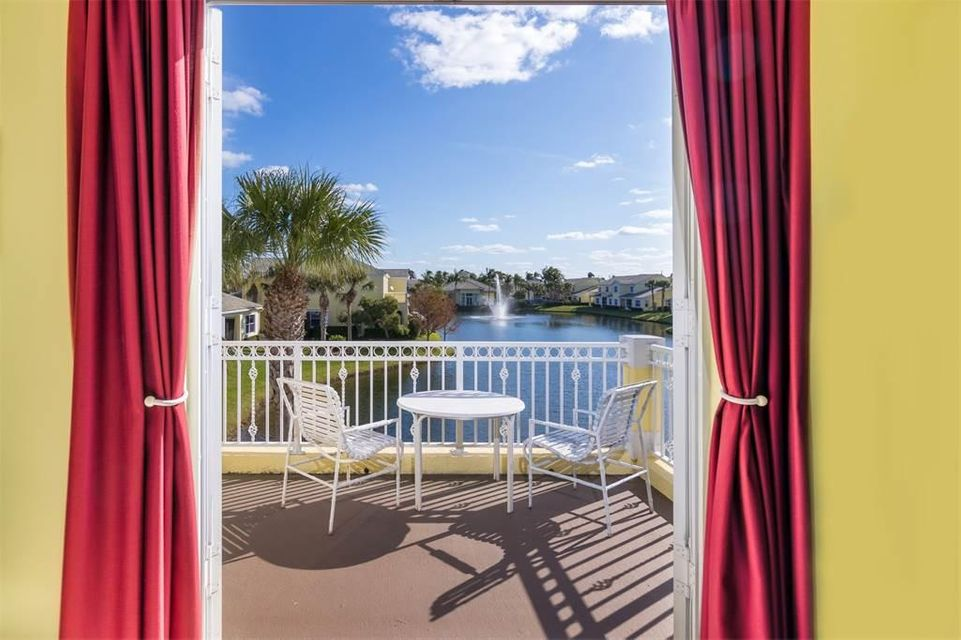 Maison accolée pour l Vente à 106 Shelley Lane 106 Shelley Lane Fort Pierce, Florida 34949 États-Unis