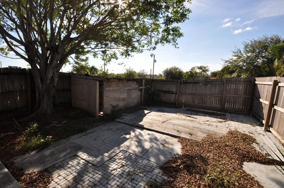 1916 Palm Acres Drive West Palm Beach, FL 33406 small photo 9