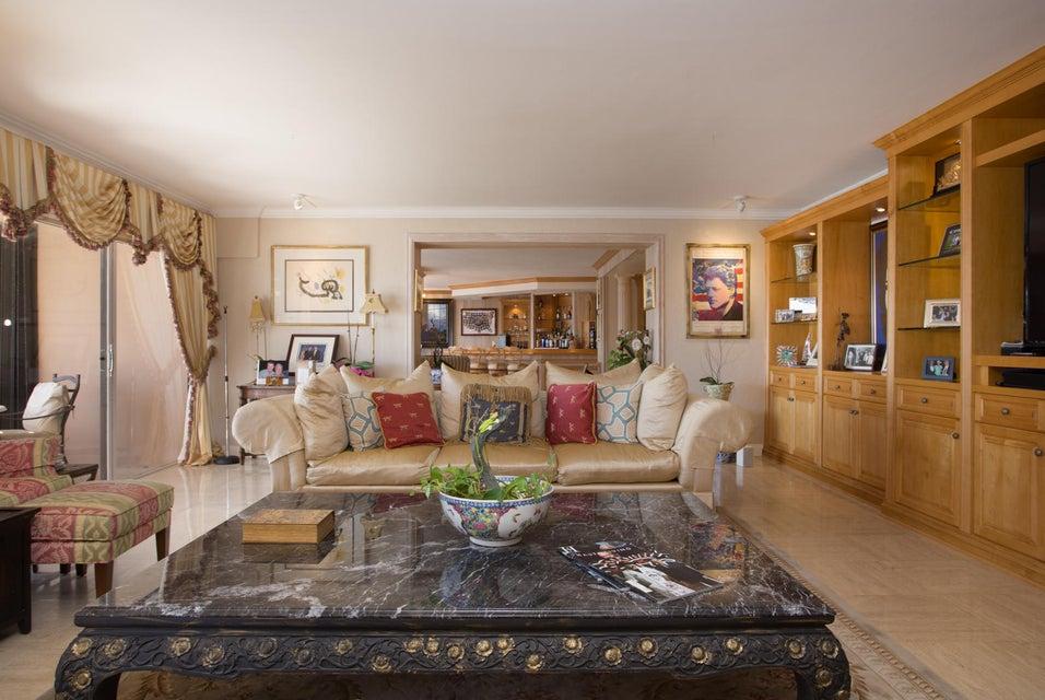 Condominio por un Venta en 1800 NE 114th Street # 1705 1800 NE 114th Street # 1705 Miami, Florida 33181 Estados Unidos