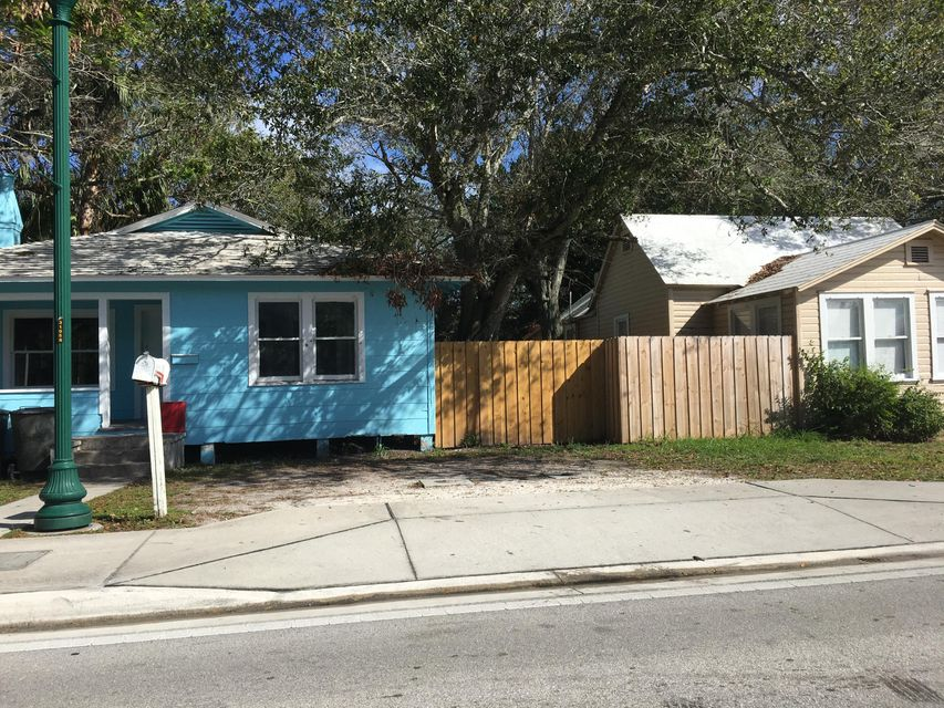 Rentals for Sale at 122 N 13th Street 122 N 13th Street Fort Pierce, Florida 34950 United States