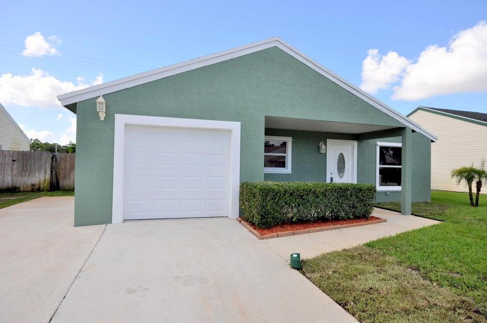 Casa Unifamiliar por un Venta en 7980 Ridgewood Drive 7980 Ridgewood Drive Lake Worth, Florida 33467 Estados Unidos