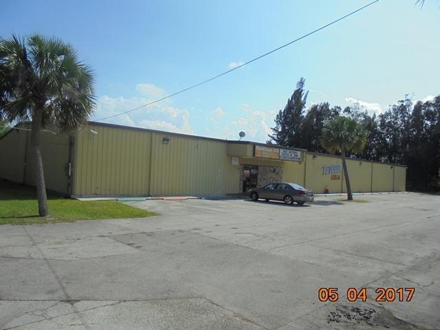 Geschäft für Verkauf beim 4301 Orange Avenue 4301 Orange Avenue Fort Pierce, Florida 34947 Vereinigte Staaten