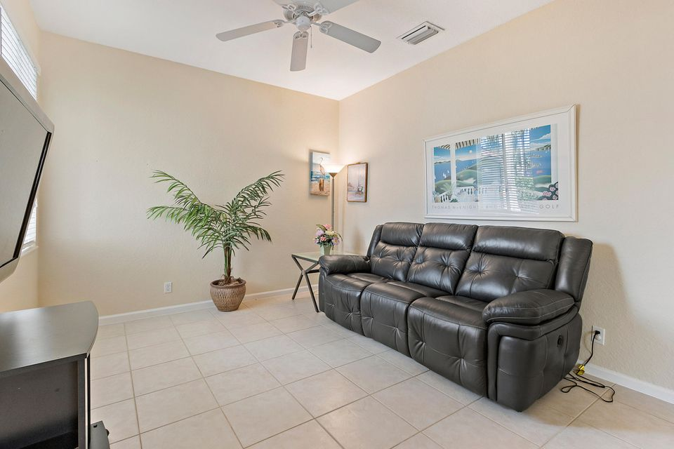 8035 Bellafiore Way Boynton Beach, FL 33472 - photo 18