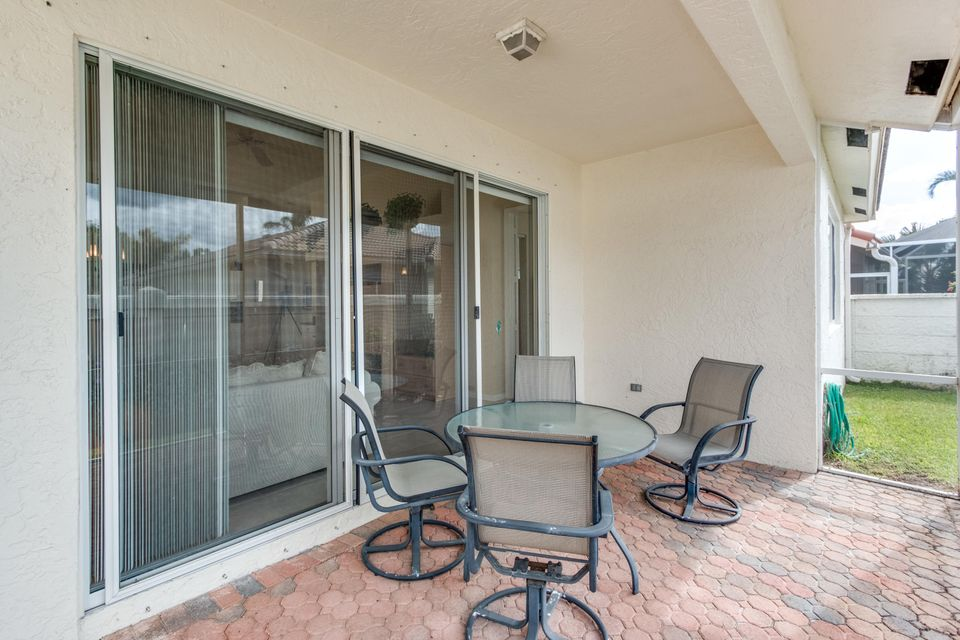 8035 Bellafiore Way Boynton Beach, FL 33472 - photo 23