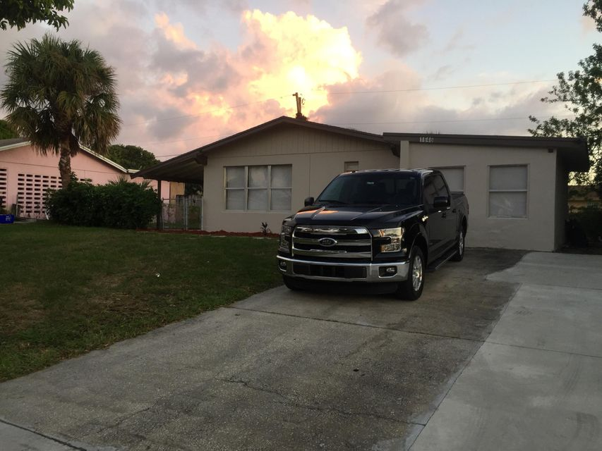 Casa Unifamiliar por un Venta en 1646 43rd Street 1646 43rd Street West Palm Beach, Florida 33407 Estados Unidos