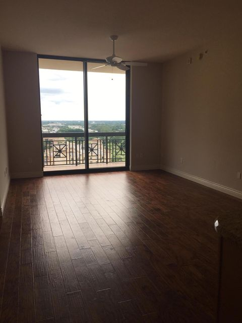 Additional photo for property listing at 701 S Olive Avenue 701 S Olive Avenue West Palm Beach, Florida 33401 Estados Unidos