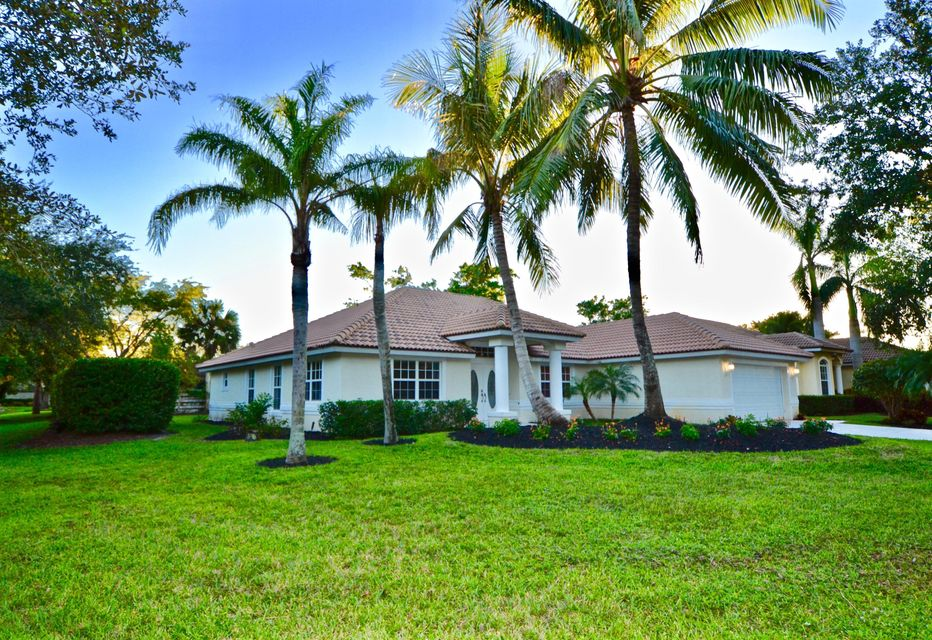 12 Bentwood Road , Palm Beach Gardens FL 33418 is listed for sale as MLS Listing RX-10379549 71 photos