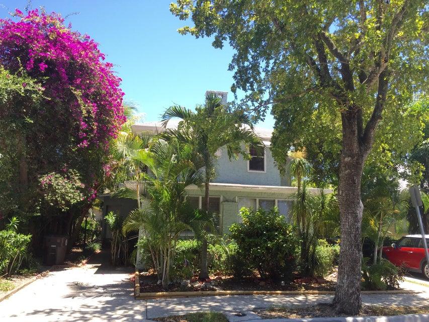 出租 为 出租 在 326 Croton Way 326 Croton Way 西棕榈滩, 佛罗里达州 33401 美国