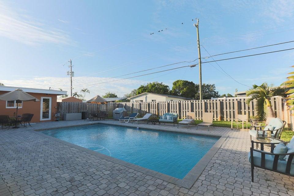Maison unifamiliale pour l Vente à 305 NE 27th Street 305 NE 27th Street Wilton Manors, Florida 33334 États-Unis