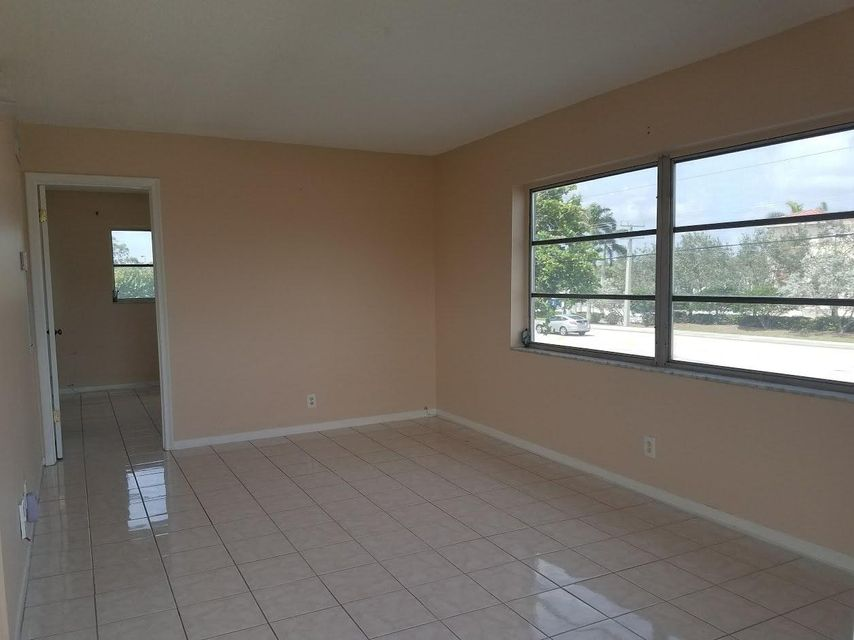 Additional photo for property listing at 1230 Old Boynton Road 1230 Old Boynton Road Boynton Beach, Florida 33426 États-Unis