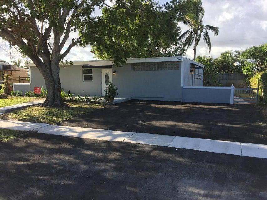 واحد منزل الأسرة للـ Sale في 419 Cheyenne Drive 419 Cheyenne Drive Lake Worth, Florida 33462 United States