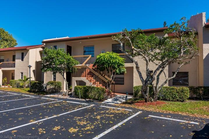 Konsum / Eigentumswohnung für Verkauf beim 21217 Lago Circle 21217 Lago Circle Boca Raton, Florida 33433 Vereinigte Staaten