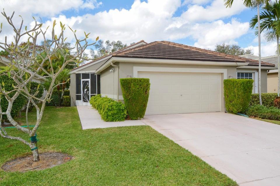 Casa para uma família para Venda às 750 Clearbrook Park Circle 750 Clearbrook Park Circle Delray Beach, Florida 33445 Estados Unidos