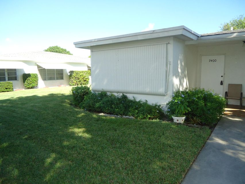 Additional photo for property listing at 7400 W Oakridge Circle 7400 W Oakridge Circle Lake Worth, Florida 33462 Estados Unidos